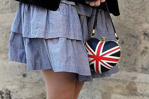 Помогите найти сумку с Британским флагом!