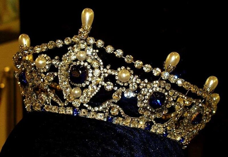"""Portland Tiara with Sapphires"""