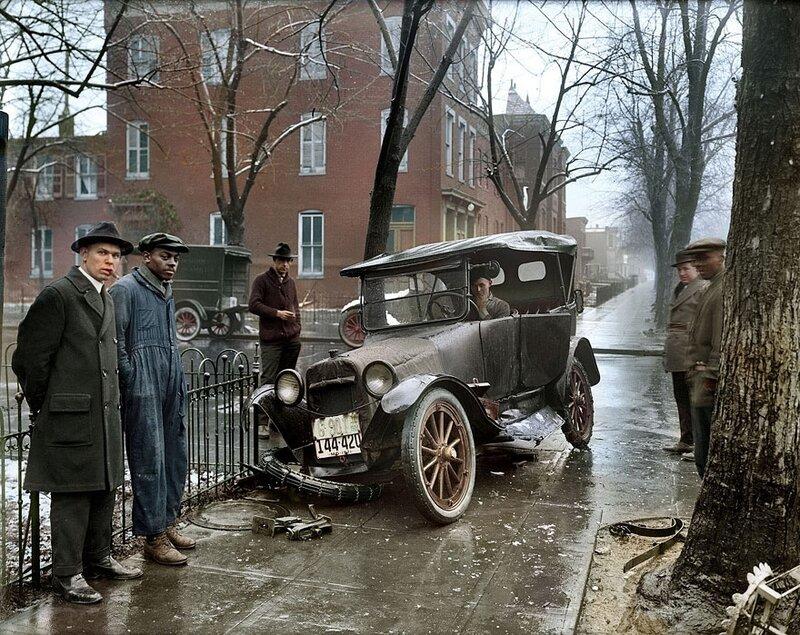 Автомобильная авария в Вашингтоне, 1921 год © Sanna Dullaway