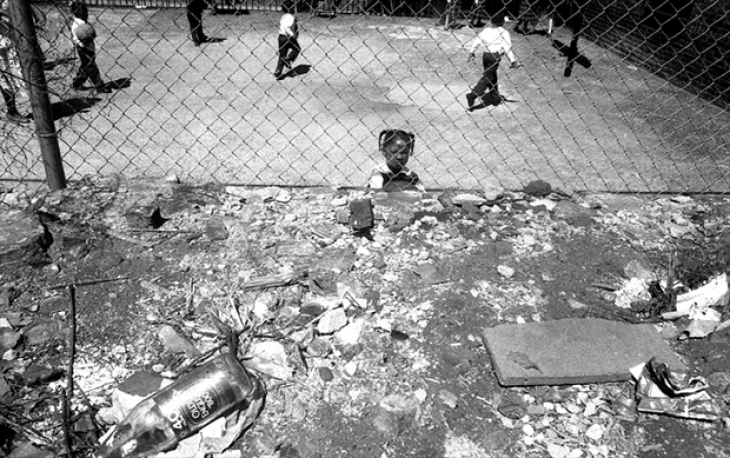 Школьная спортплощадка, Гарлем, 1994.