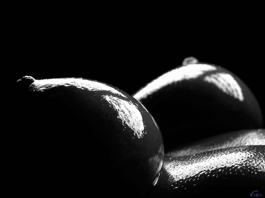Фигуры из обнаженных тел от Антона Беловодченко