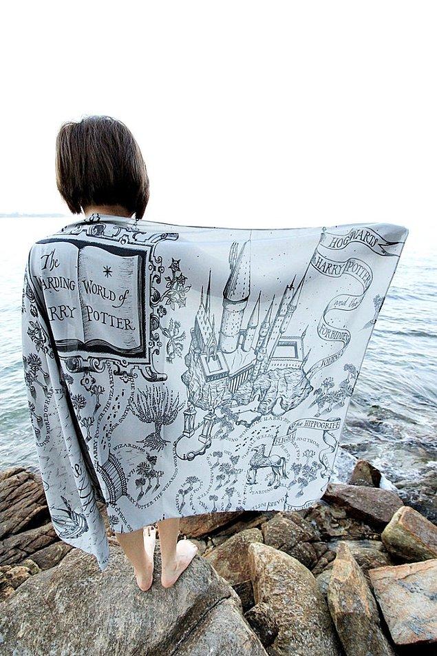 Надень любимую книгу: новый дизайн шарфов