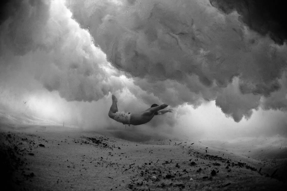 Борьба с волной в фотографиях Марка Типла