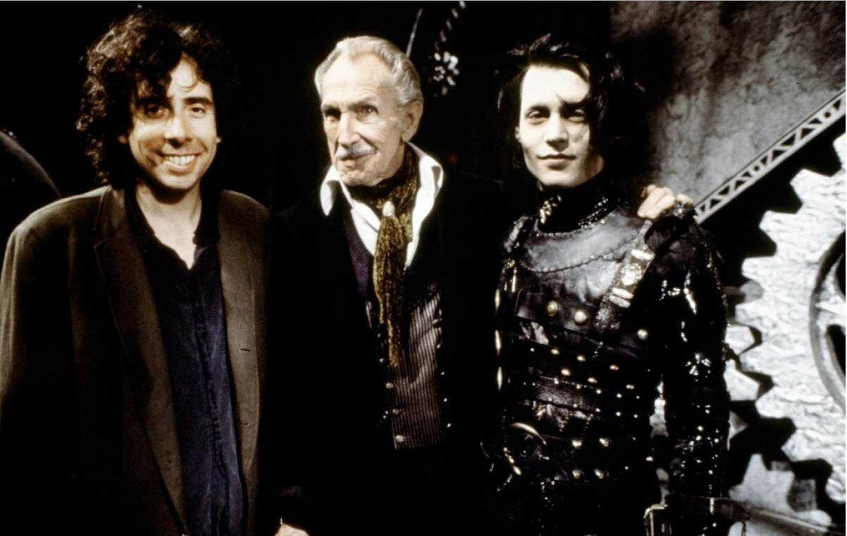1990. Тим Бёртон, Винсент Прайс и Джонни Депп на съемках фильма «Эдвард Руки-ножницы»