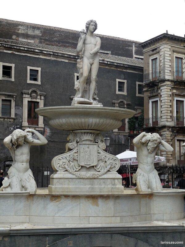"""Fontana dell""""Amenano."""
