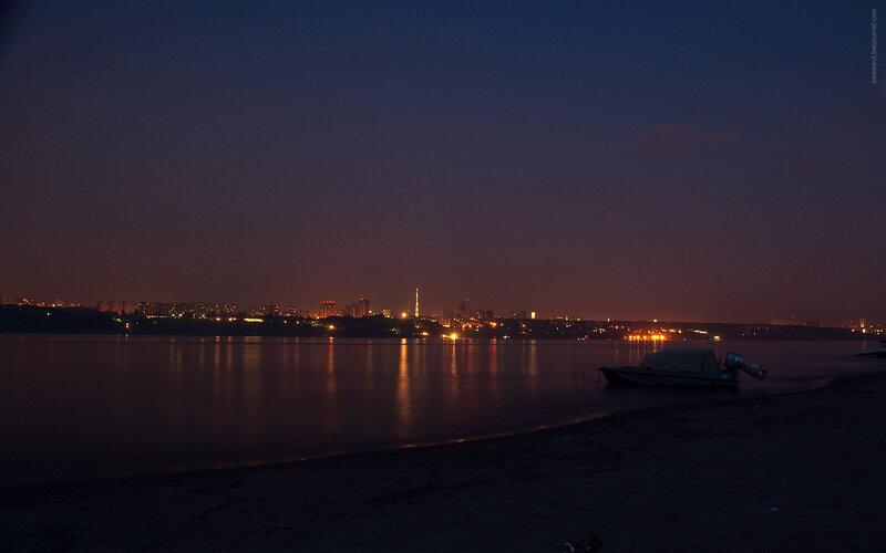 Самара ночью с противоположного берега волги