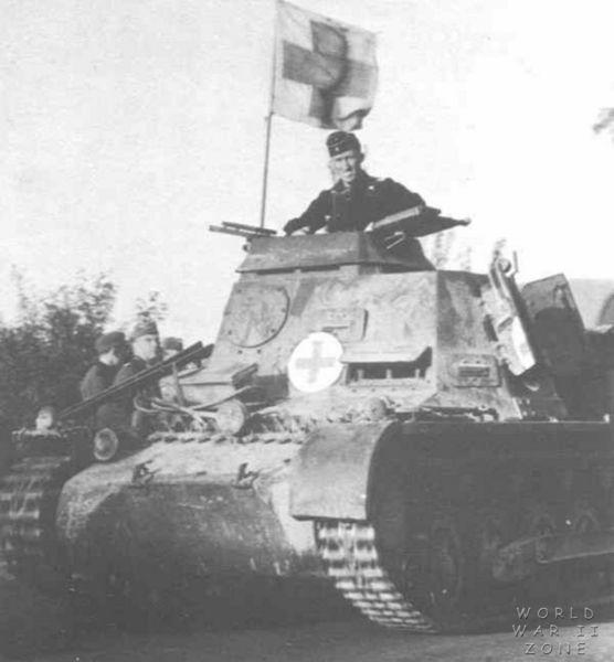 Kleiner_Panzerbefehlswagen_Ausf_B_ambulance.jpg