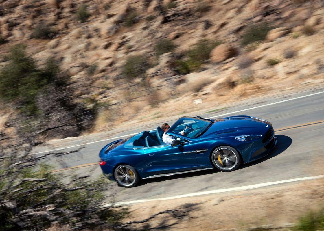 Кабриолет Aston Martin