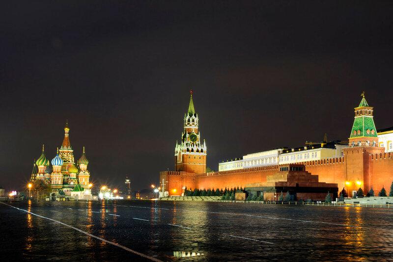 Москва. Красная площадь ночью.