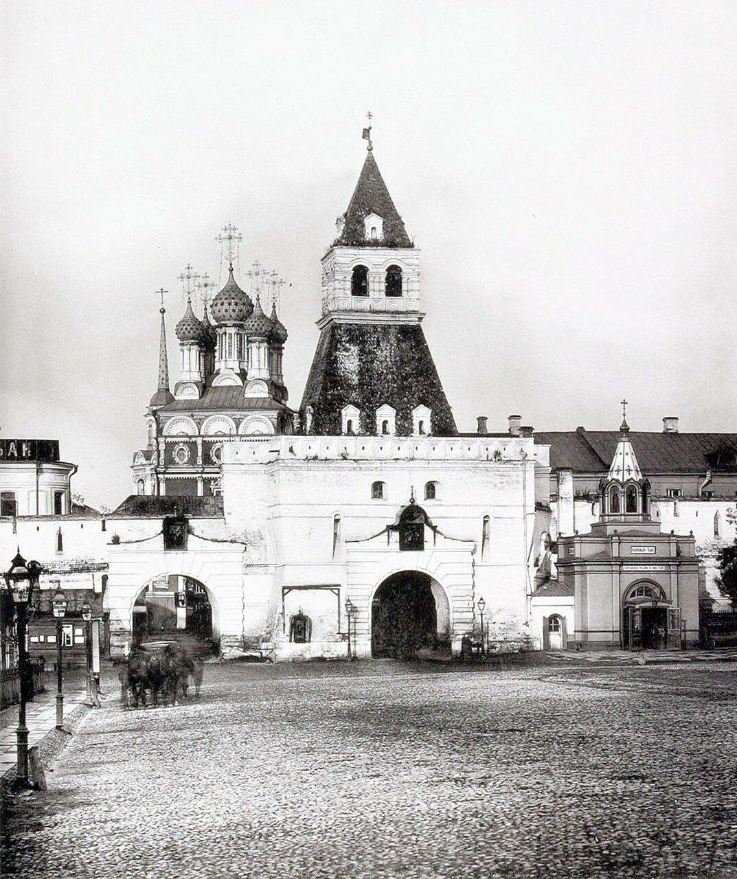 374. Ильинские ворота