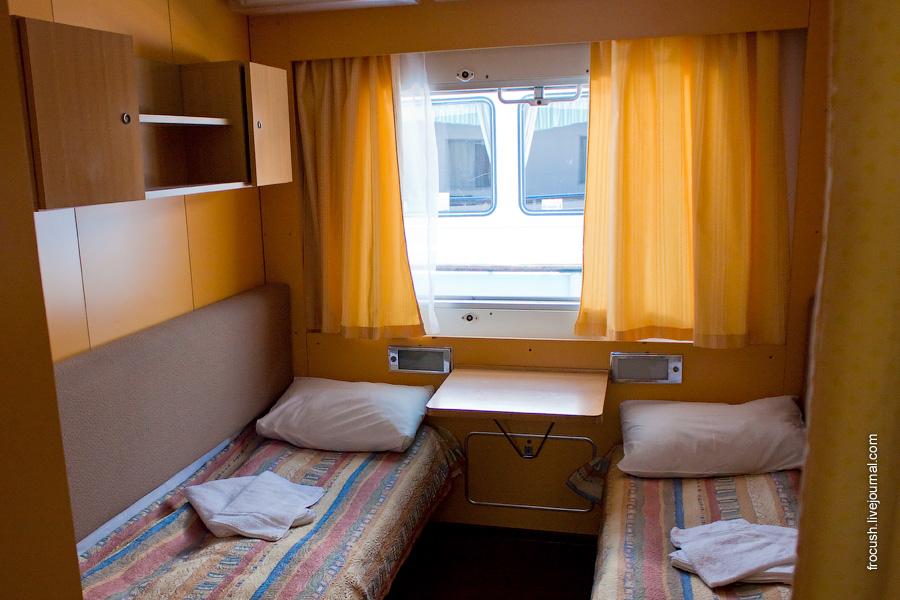 Двухместная одноярусная каюта №408 на шлюпочной палубе теплохода «Санкт-Петербург»