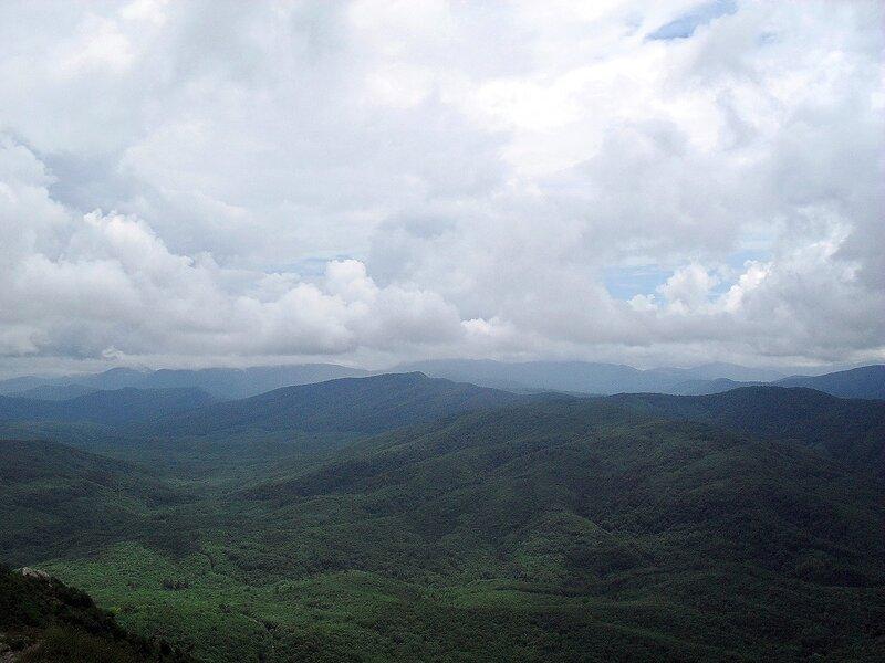 Горы в облачном кружеве.