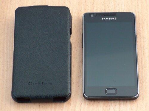 Galaxy S II с чехлом Classic baron