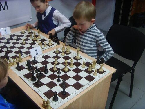 картинки игра в шахматы дети