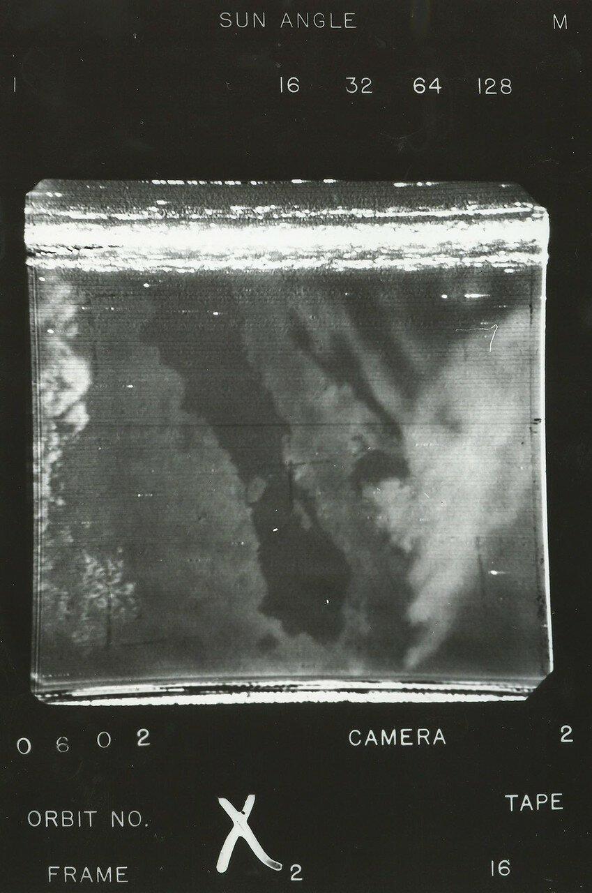 16. 1960, 1 апреля. «Тайрос 1», первый погодный искусственный спутник Земли передал в ЦУП первые телевизионные изображения нашей планеты