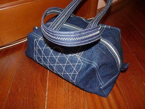 ...МК по согласованию с участниками и мастером.  Шьем сумку-торбочку.