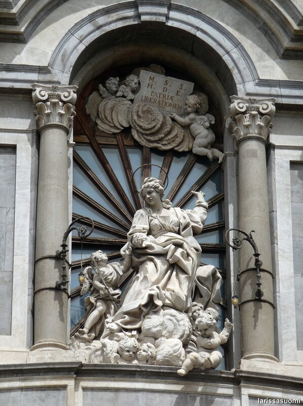 Св. Агата - покровительница города. Catania (6).jpg