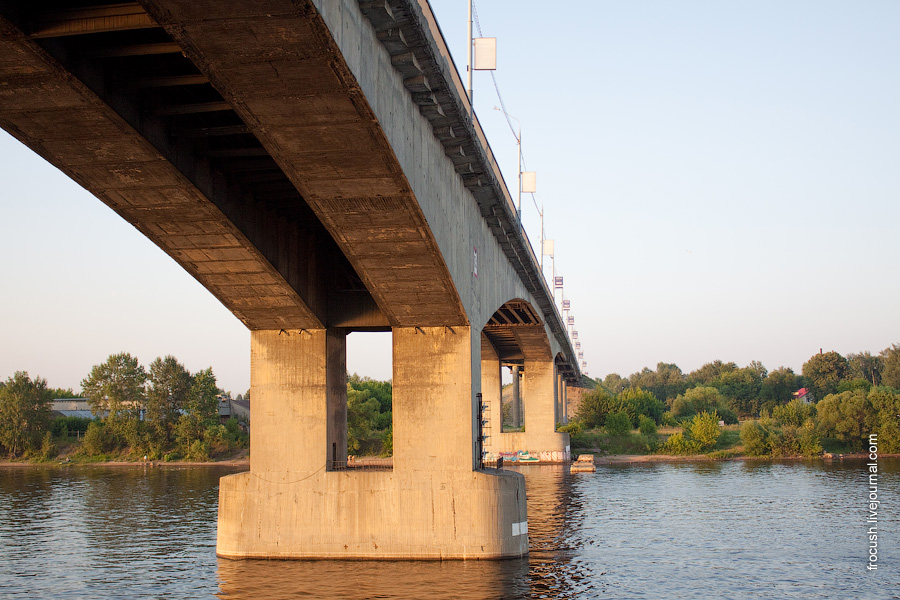Ярославль. Октябрьский автомобильный мост через Волгу 2 июля 2010 года