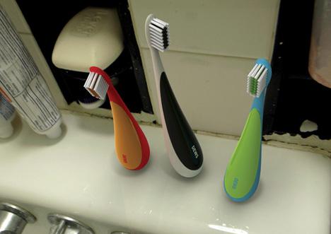 Зубная щётка-неваляшка