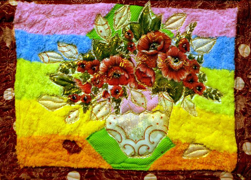 Квилт в технике аппликации,украшенный бисером.  Процесс изготовления.  Выбор ткани для основы,лоскутной мозаики.