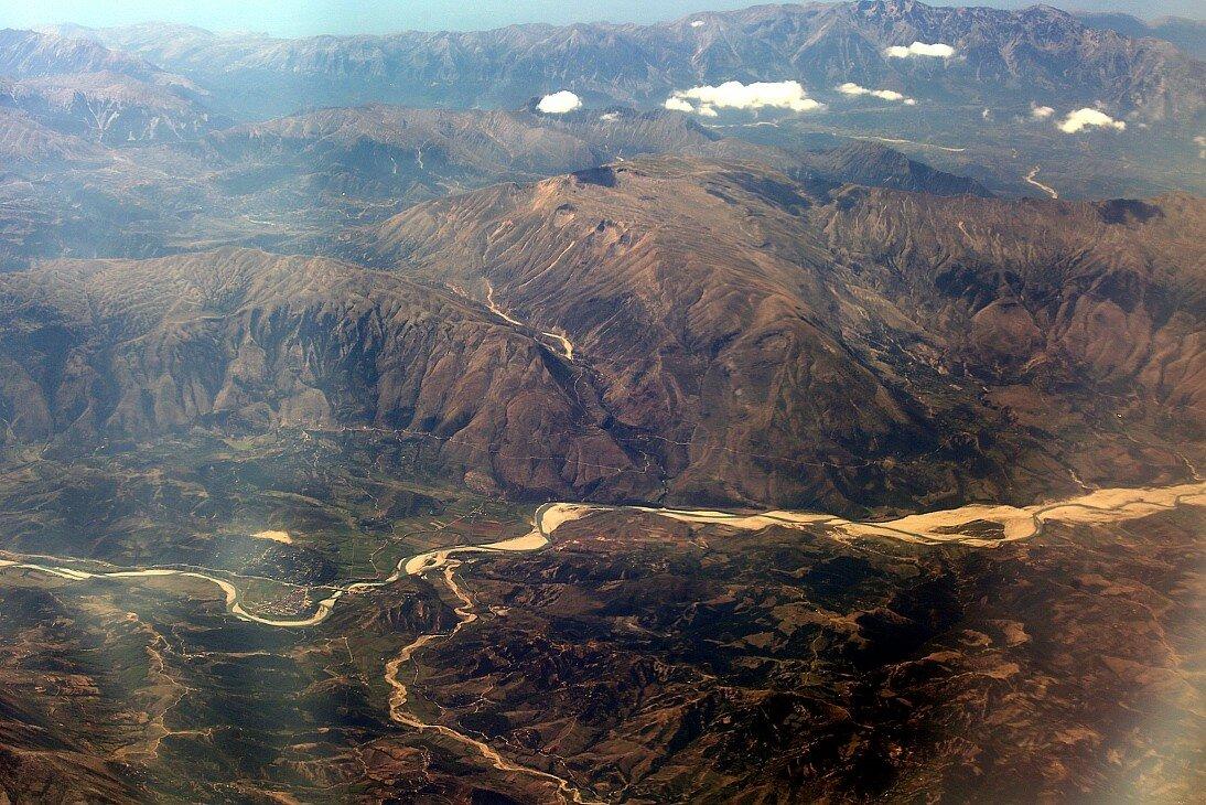 Горы Албании. Вид с самолета