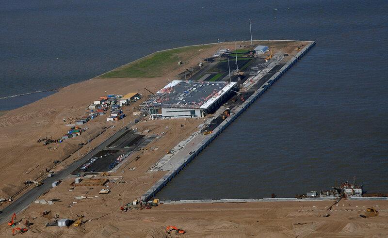 Первый пусковой комплекс зданий и сооружений Морского пассажирского терминала на Васильевском острове.