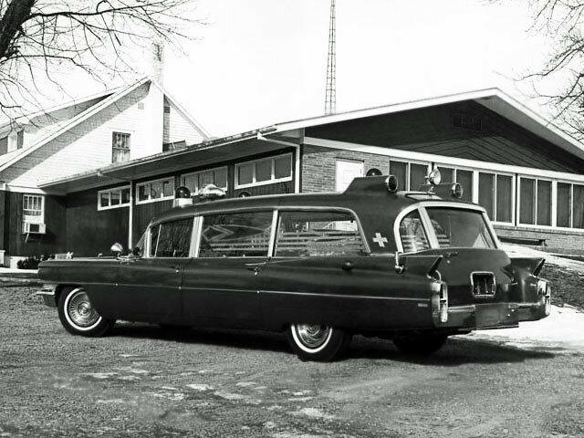 Cadillac Rescuer Ambulance by Superior (6890) '1963 1.jpg