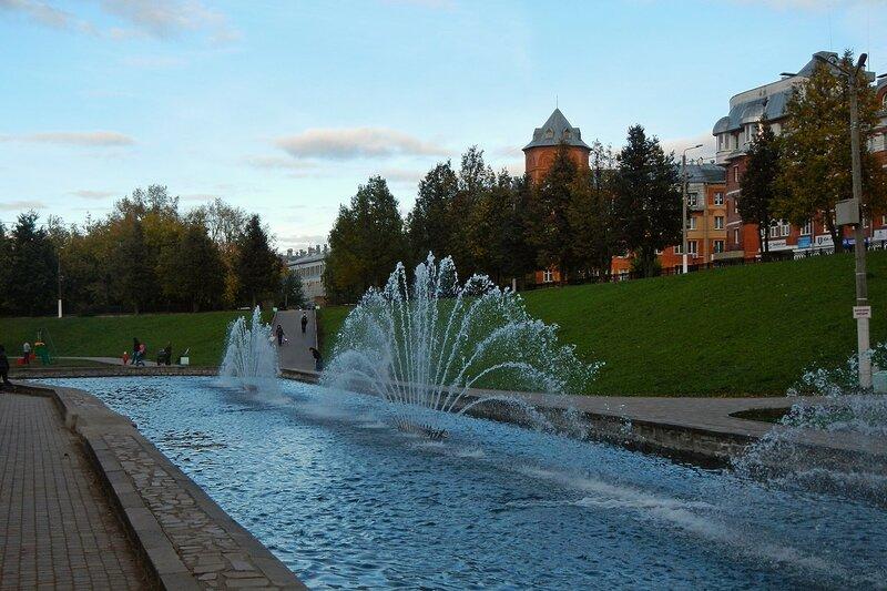 Сквер им 60-летия СССР (в овраге Засора) и музыкальный фонтан