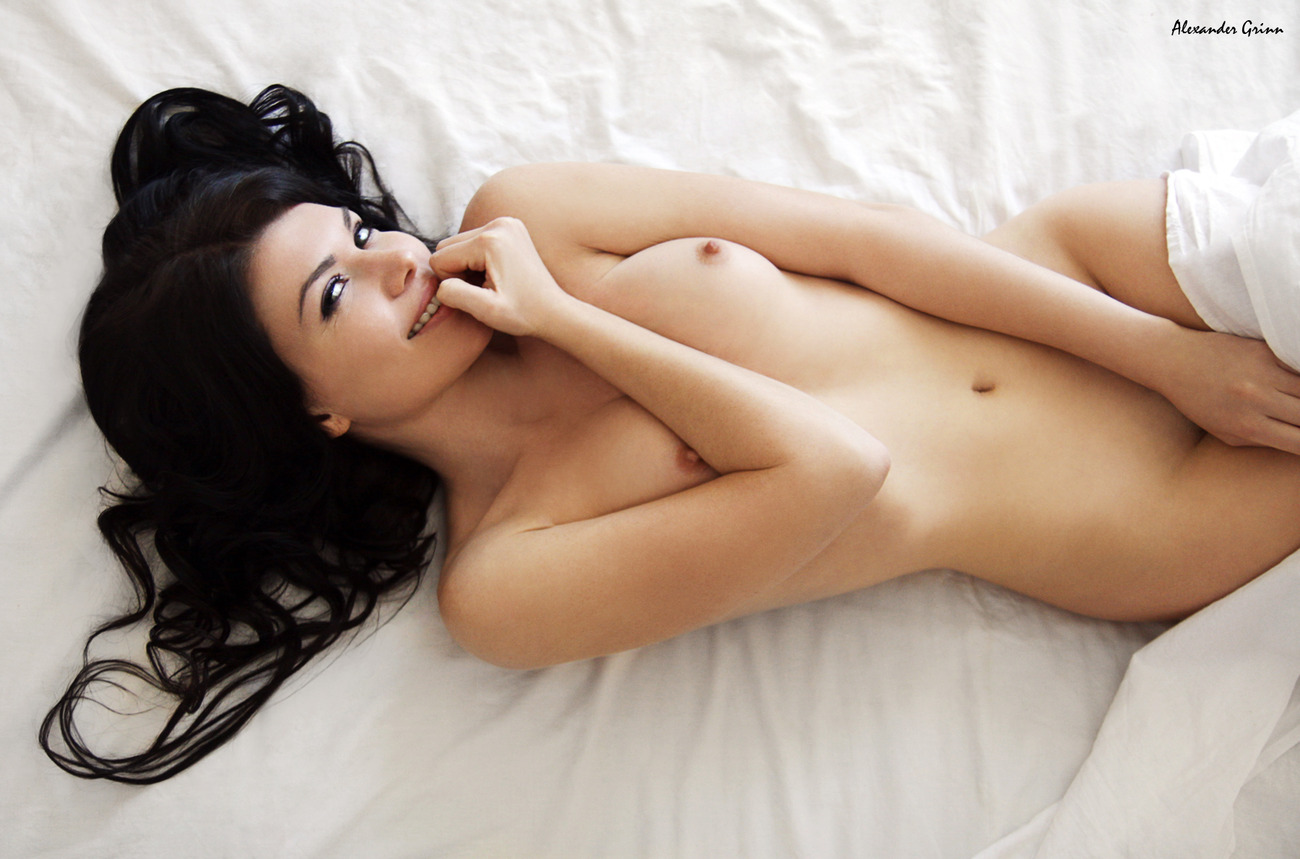 Секс в постели с красивыми девушками 15 фотография