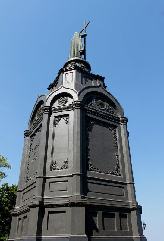 Памятник Владимиру Крестителю киев украина