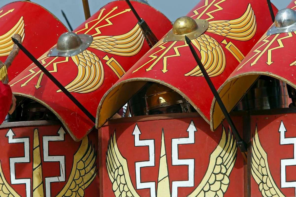 Легионеры армии Древнего Рима: Современный вариант попытки захвата острова Мальта (13)