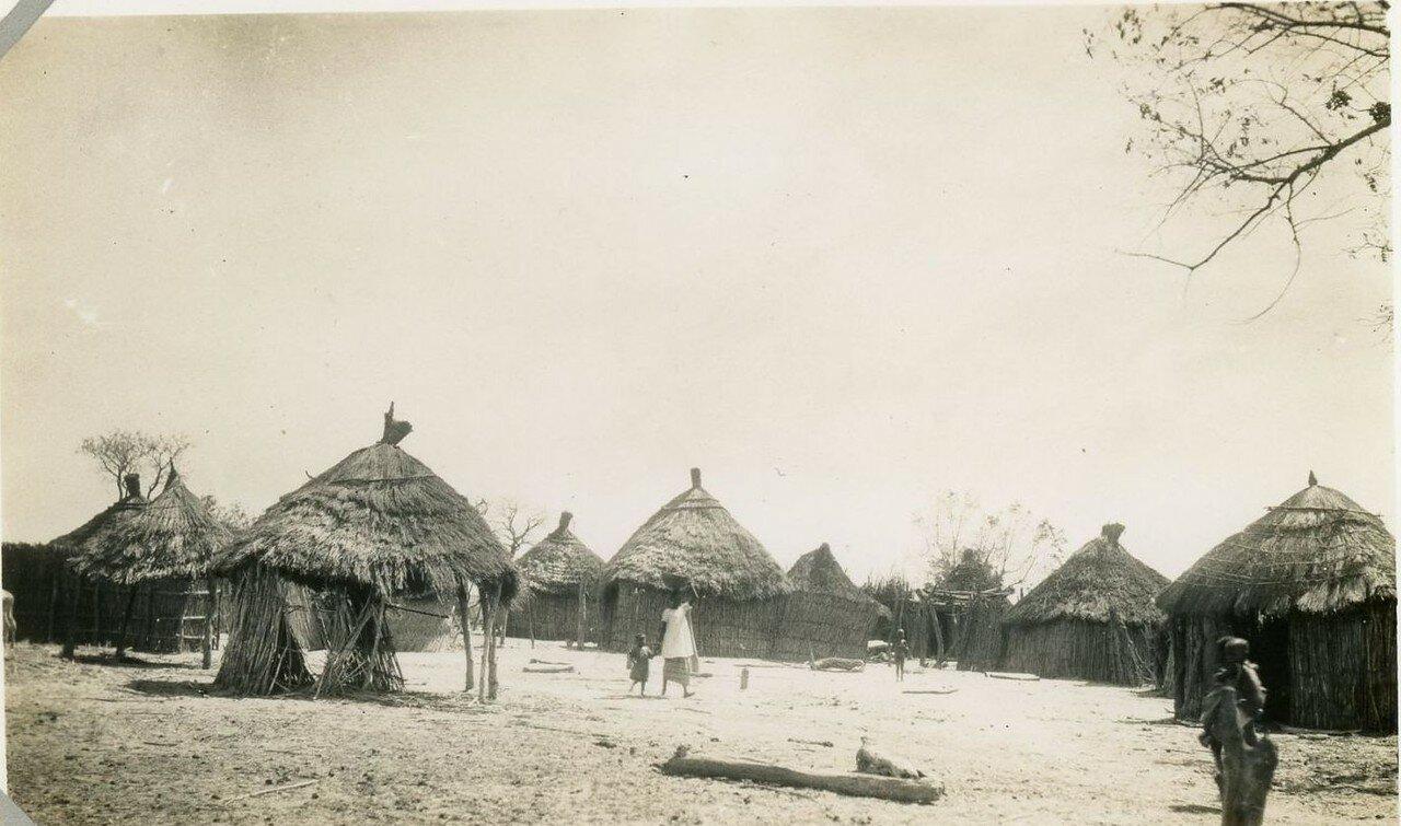 1920. Западная Африка. Деревня
