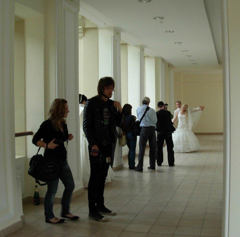 зарисовки московской жизни - свадебные фотосессии в ГУМе