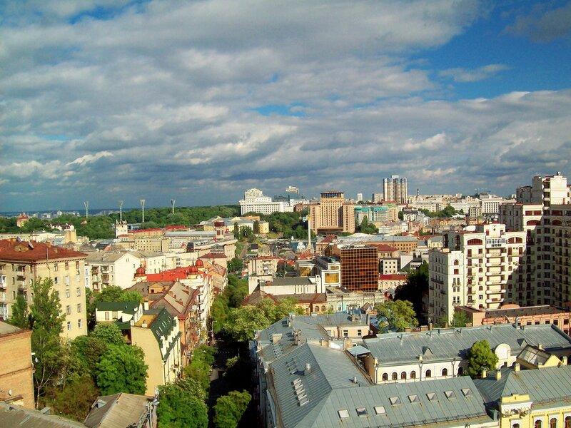 Вид с Софиевской колокольни на Майдан Незалежености