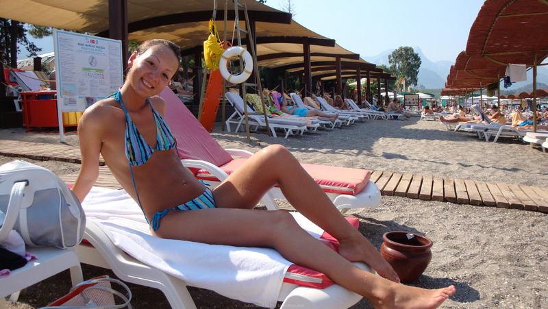 мамы дочки голые на плаже фото №98671