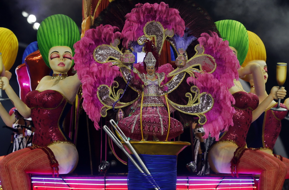 Карнавал в Бразилии. Это нужно видеть! (55 фото)