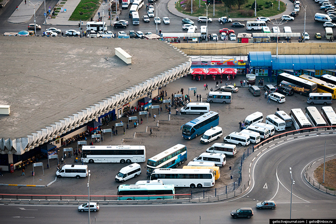Главный ростовский автовокзал — крупнейший автовокзал России. Каждый день отсюда выполняется 400 рей