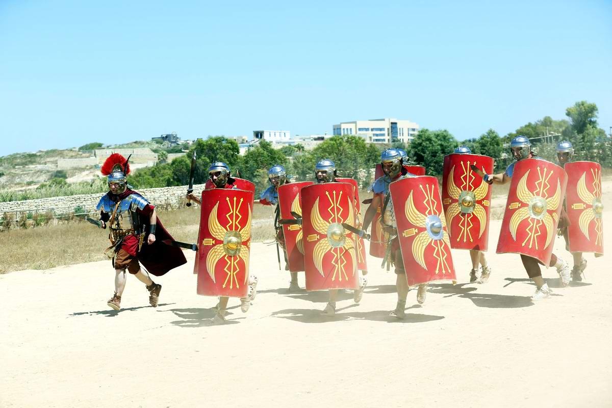 Легионеры армии Древнего Рима: Современный вариант попытки захвата острова Мальта (1)