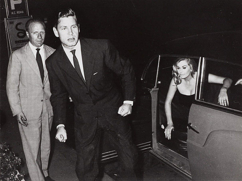 1958. Анита Экберг с мужем Энтони Стилом. Рим