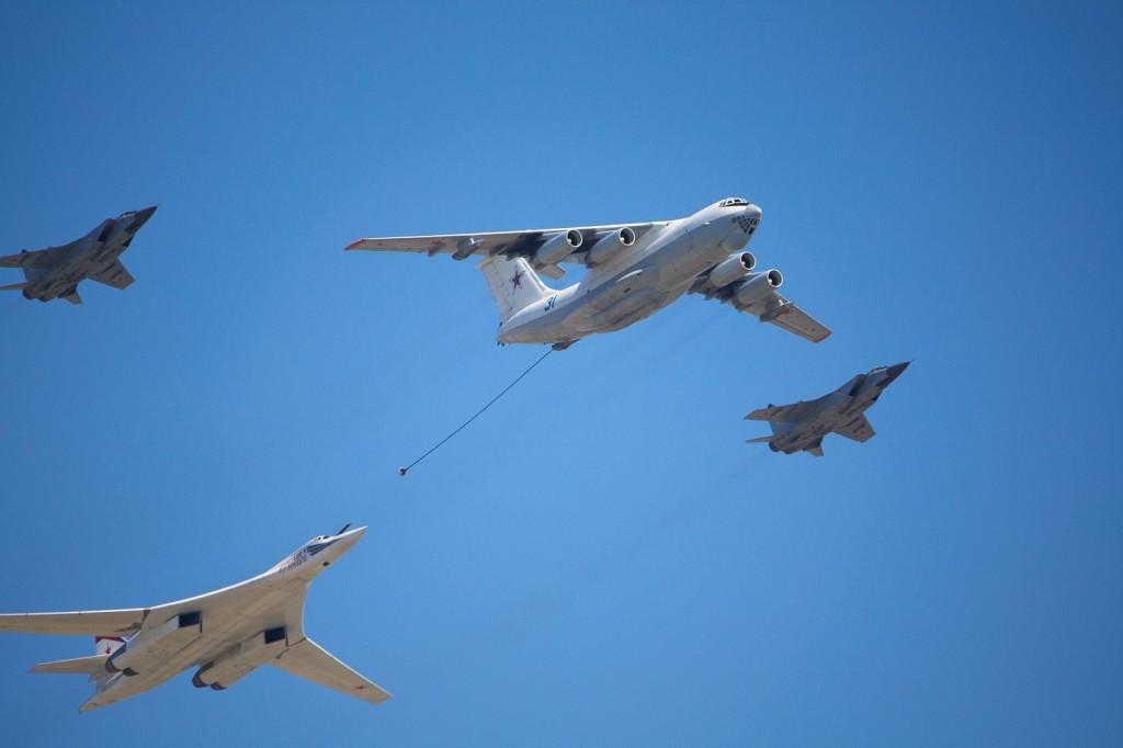 Имитация дозаправки - Ил-78, Ту-160 и 2 МиГ-31БМ
