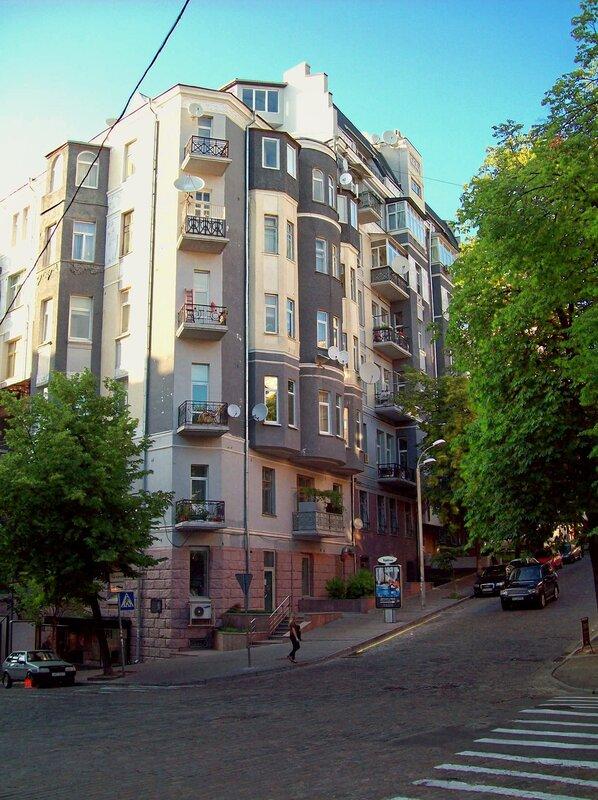 Здание на Городецкого