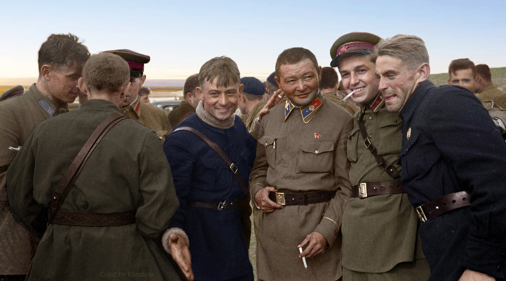 Khalkhin Gol 01.05.1939 - Red Army soldiers and Khorloogiin Choibalsan, general chief commander of the Mongolian armed forces