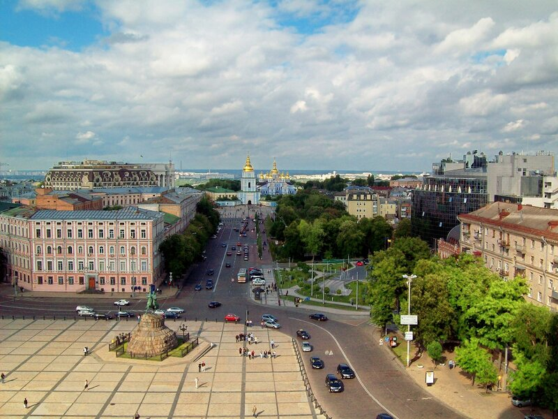 Вид с Софиевской колокольни на площадь