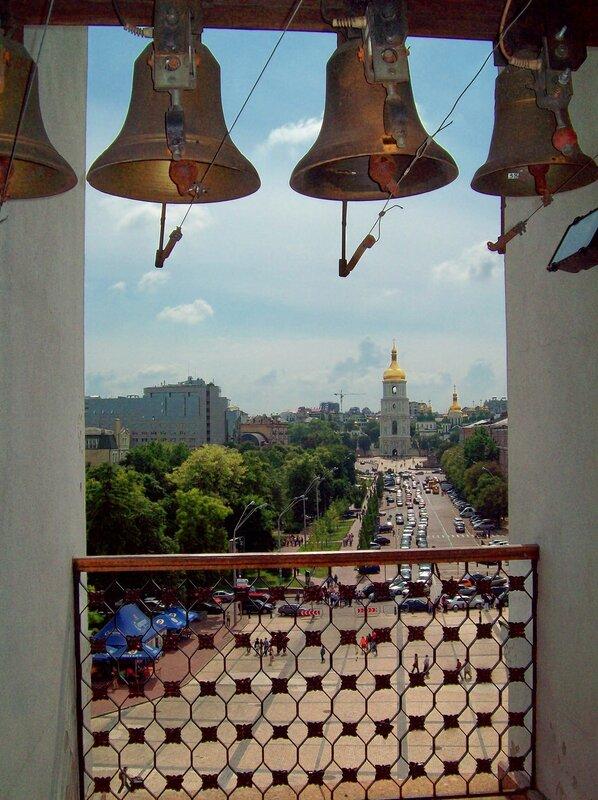 Вид с колокольни Михайловского монастыря