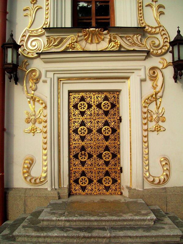 Дверь Успенского собора
