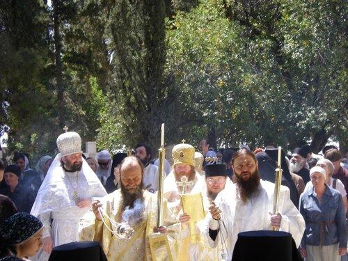 Праздничное богослужение на праздник Вознесения Господня в русском монастыре на Елеонской горе в Иерусалиме