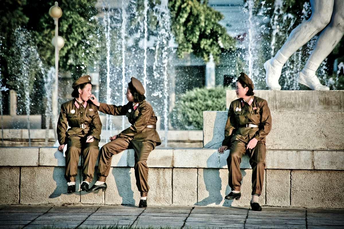 Очень грозная сила: Девушки в армейской униформе (18)