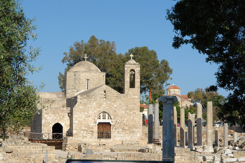Церковь Айя Кирьяки и базилика Хрисополитисса