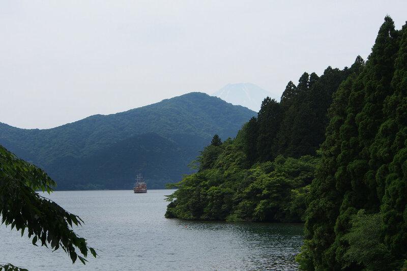 На берегу озера Аши