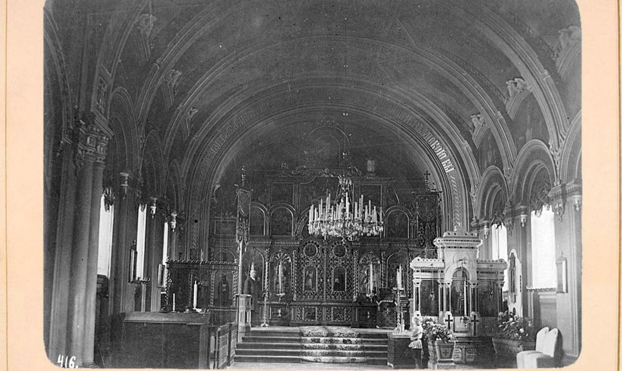 30. Внутренний вид церкви Тихвинской иконы Б. Матери